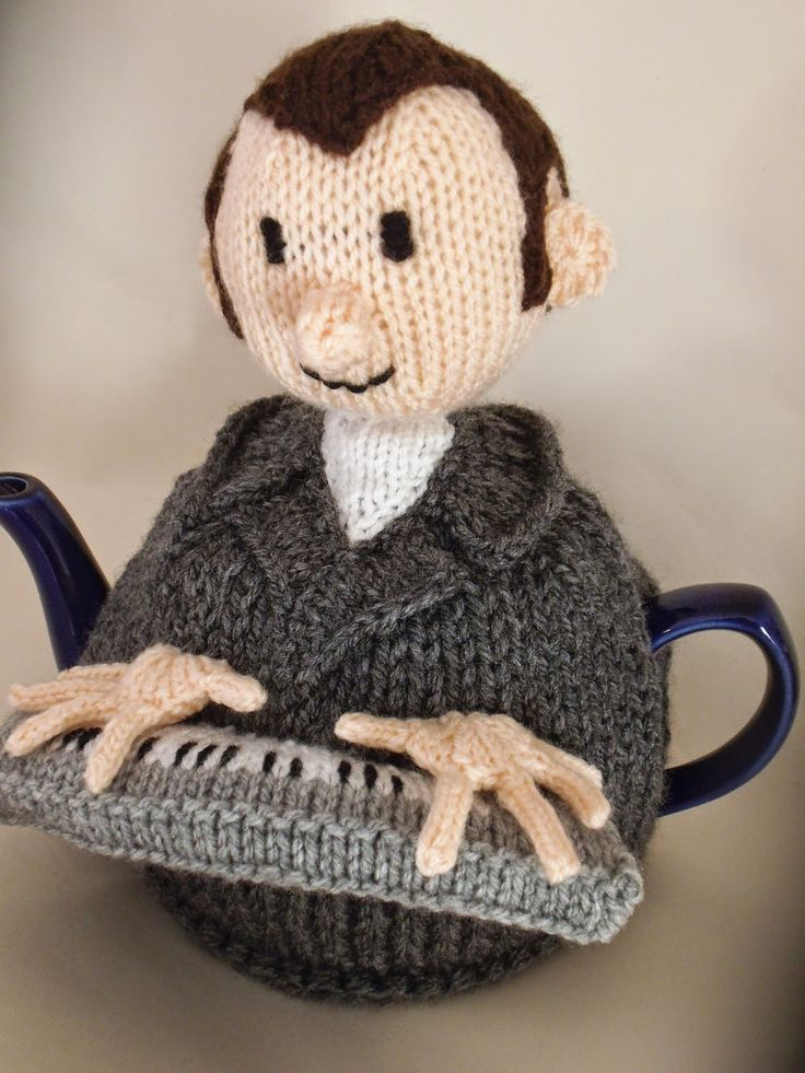 By request I an now remaking the Music Teacher Tea Cosy and writing the knitting pattern for others to make http://www.teacosyfolk.co.uk/bespoke_tea_cosies.php