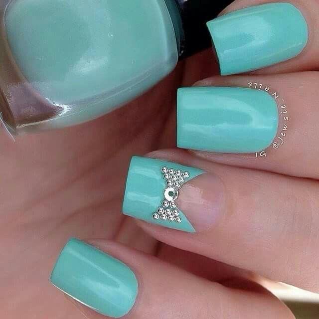 Aqua/Diamonds Bow nails set,.. That Im Loving For a Next Set Of Nails �