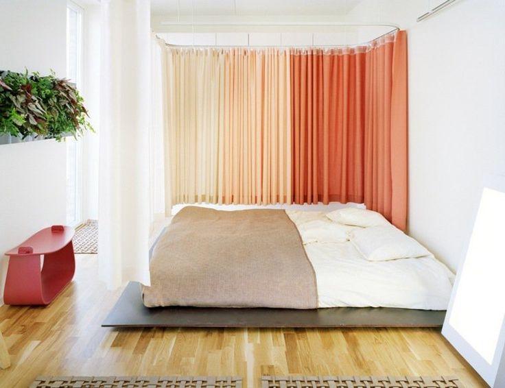 séparation de pièce pour chambre à coucher avec rideaux