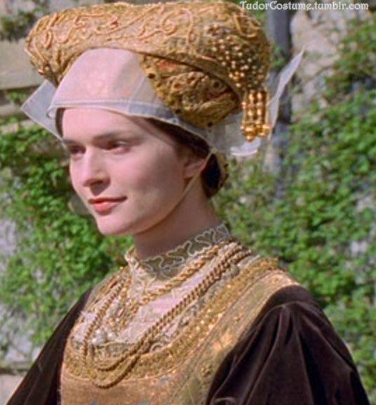 """Catherine Siggins como Ana de Cleves na série """"The Six Wives of Henry VIII"""" em 2001."""