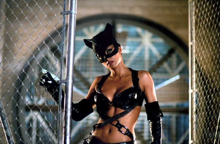 Halle Berry ''Catwoman'' 2004