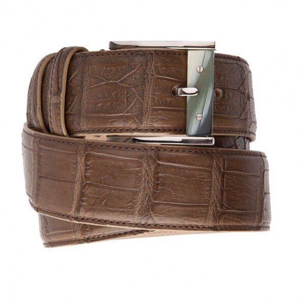 Ремень из кожи крокодила JM by Johnny Manglani. Эксклюзивно в бутиках Uomo Collezioni. Цена по запросу 7(967) 006 54 28 #uomoguide #madeinitaly #uomocollezioni #uomostyle #uomoguide #madeinitaly
