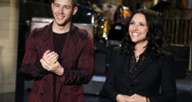 Julia Louis-Dreyfus 'SNL' promo with musical guest Nick Jonas - Watch it tonight on NBC http://lenalamoray.com/2016/04/16/julia-louis-dreyfus-snl-promo-with-musical-guest-nick-jonas/