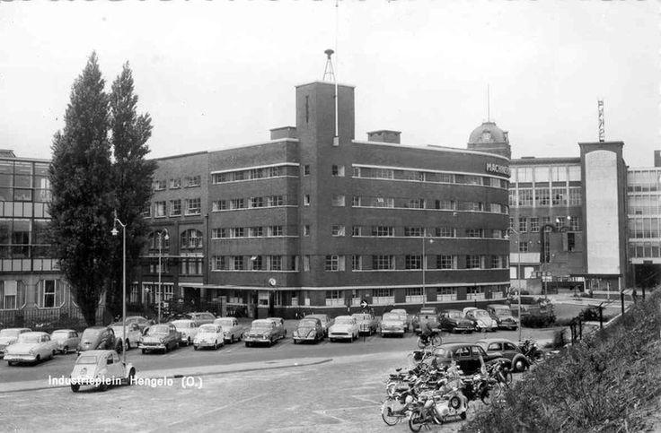 Het Industrieplein in Hengelo omstreeks 1961