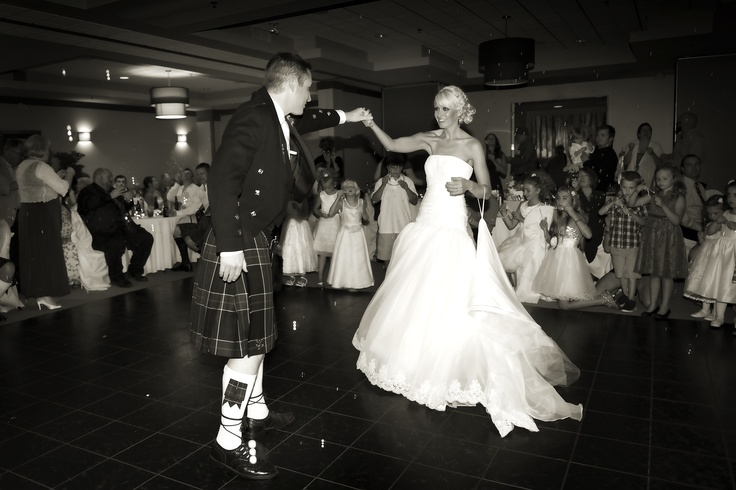 Our guests lined the dance floor and blew bubbles during our first dance.