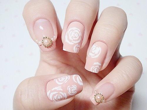 Naked White Roses 47