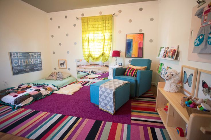 Montessori Nursery (from @mollieQUINN) - love the design and use of color! #Montessori: Carpets Tile, San Diego, Polka Dots, Quartos Montessoriano, Montessori Nurseries, Floors Beds, Baby Girls, Baby Rooms, Girls Montessori