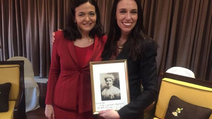 Facebook chief operating officer Sheryl Sandberg presented Jacinda Ardern with a framed photograph of Kate Sheppard at Apec.