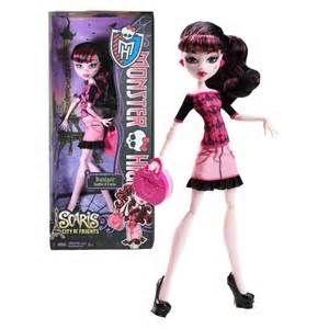 http://www.banaoyuncakal.com/Monster-High-Paris-Seyahati-Draculaura,PR-2904.html
