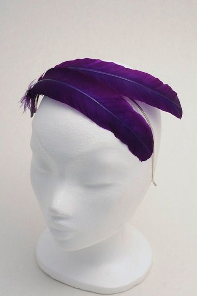 ободок с фиолетовыми перьями, украшение на выпускной, аксессуары на выпускной, ободок, ободок с перьями, украшение великий гетсби, перья, украшение для прически, fascinator, headpiece, feathers, украшение для волос, украшение в волосы