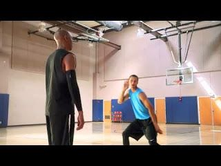 Steph Curry Twerkin! | Pinoy Fail Blog  This commercial video seem okay at the beginning until when Stephen Curry do the the mini-twerking. That's when things got a bit strange.