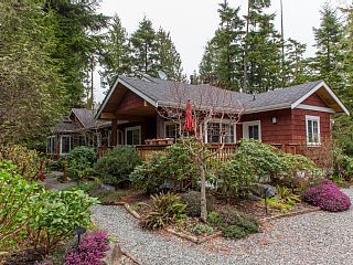 Just+steps+from+the+sand!+++Vacation Rental in Vancouver Island from @homeaway! #vacation #rental #travel #homeaway