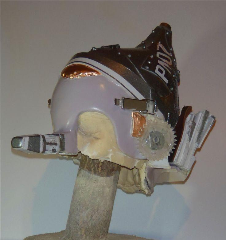 Prima versione maschera/caschetto di Pinocchio ISV con zona fronte più chiusa della versione definitiva