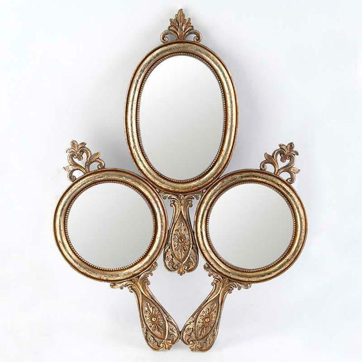 Nice wall #frame in #gold color Discover more at  http://www.inart.com/en/products/frames-albums