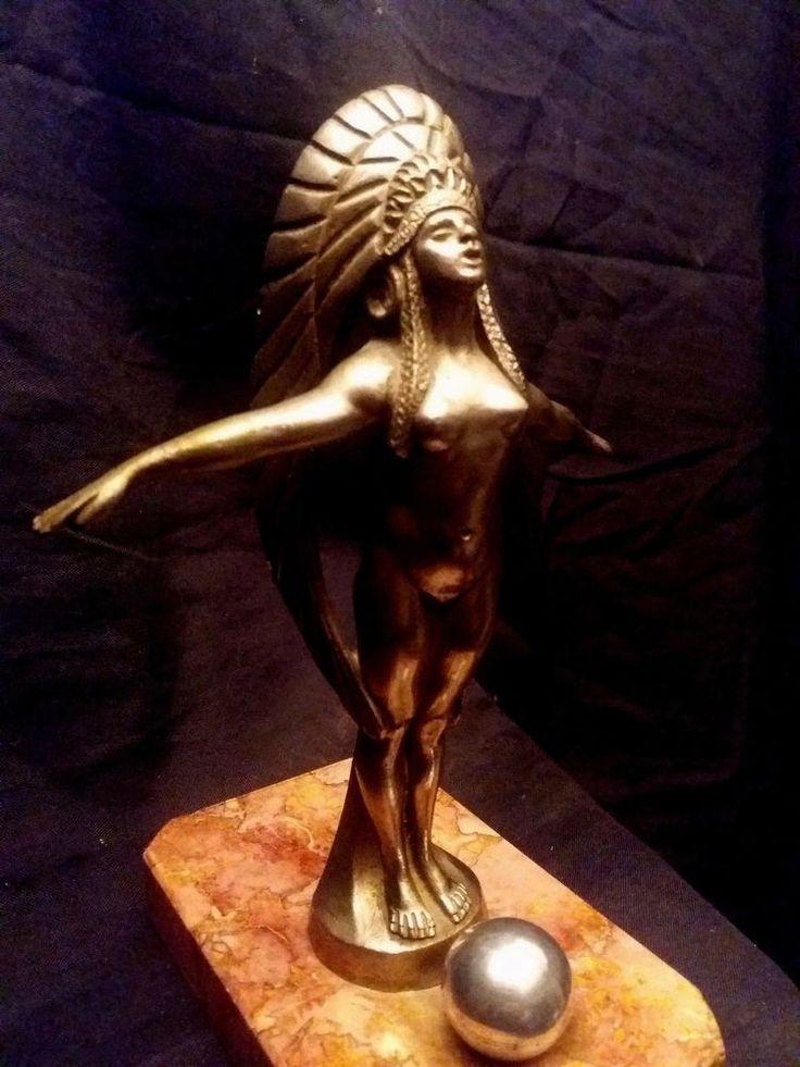 Mascotte Hiawatha signé   Binmoran   France 1920-1925 Bronze nickelé argent 17cm
