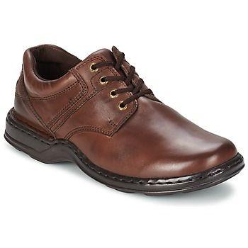 Esta temporada, Hush puppies nos presenta Bennett, un zapato con cordones a adoptar sin falta. Nos gusta este modelo en color marrón por su diseño elegante y su aire carismático. Su corte en piel y su suela en caucho son garantía de confort, resistencia y calidad. Un it-shoe en estado puro que integrará rápidamente los dressing masculinos.  #derbie #zapatos #moda #spartoo #hombre http://www.spartoo.es/Hush-puppies-BENNETT-x462663.php