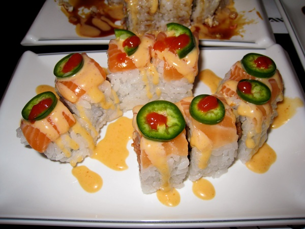 omg yum: Jalepeño Sushi, Chilis Oil, Red Chilis, Jalepeno Peppers, Fieri Sushi, Chilis Peppers, Peppers Flakes, Sushi Rolls, Hot Sauces