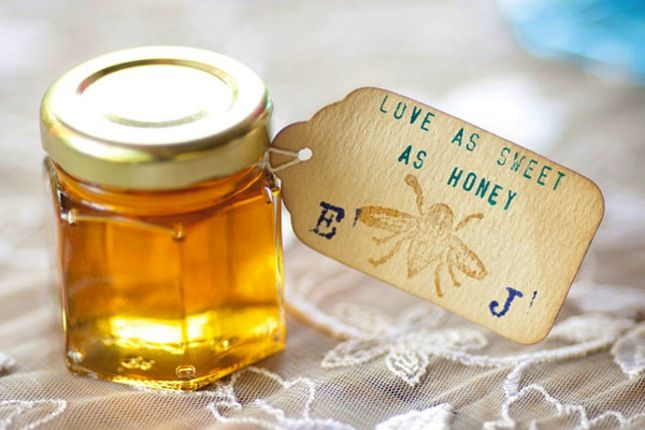 15 Edible Wedding Favors to Buy or DIY via Brit + Co.