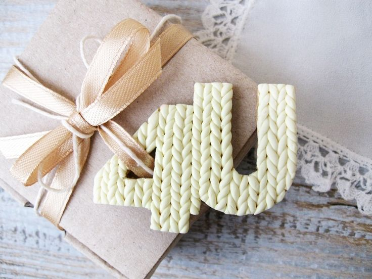 """Gift tag """"4U"""" """"For You"""" Perfect for personal gift to your friend at Christmas, Birthday or any other celebration Shabby Chic style. You can use tags for package or any handmade project.  Gift tag..."""