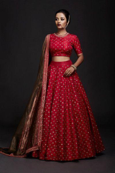 Bridal Lehenga - Red Lehenga with Golden Detailing | WedMeGood | Outfit by: Vvani By Vani Vats #wedmegood #indianbride #indianwedding #bridal #bridallehenga #lehenga #red #weddinglehenga