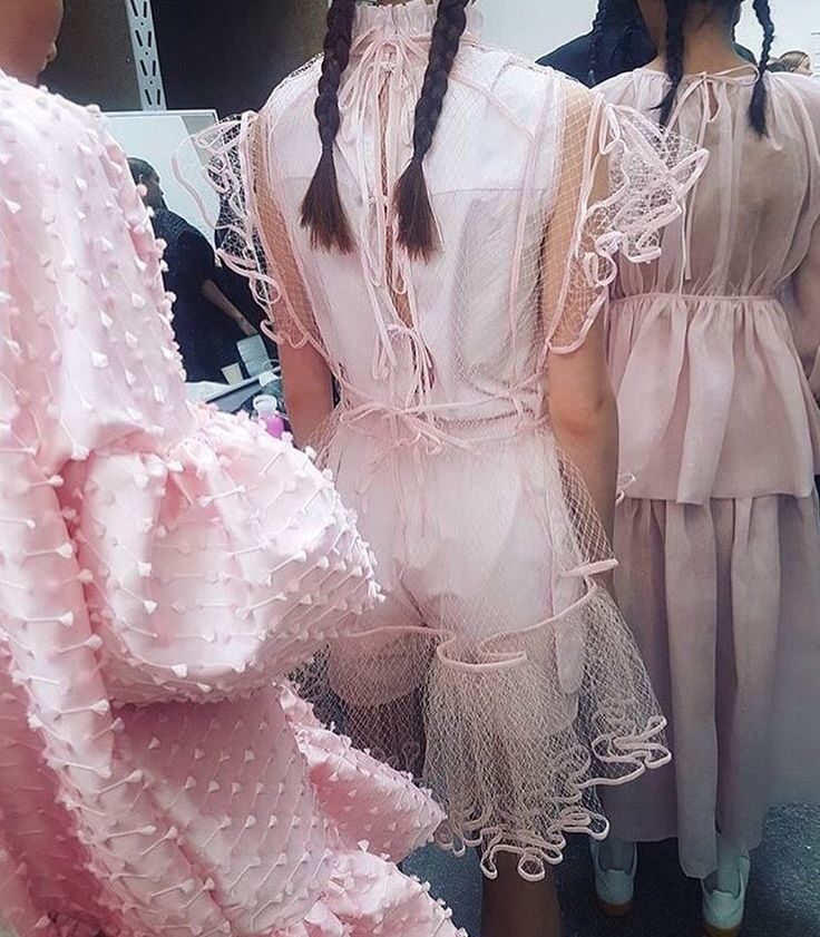 Cecilie Bahnsen is a Danish designer who's perfected ruffles, organza, and new femininity. We met her for an interview. Here: SS18 details backstage #cphfw | ©instagram.com/ceciliebahnsen