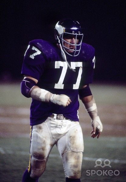 Minnesota Vikings defensive tackle Gary Larsen (77) on the field against the San Diego Chargers during a pre-season game at San Diego Stadium.