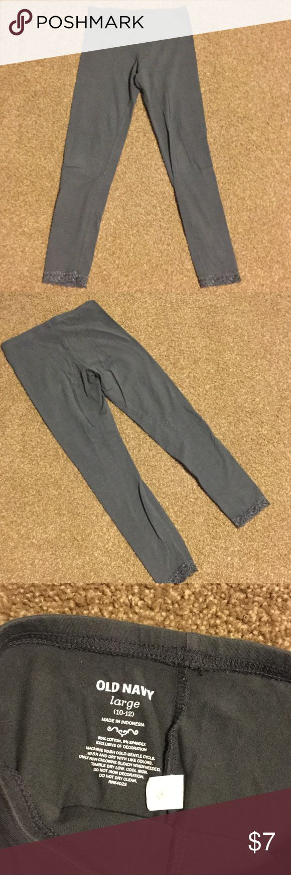 Old Navy Lace Trim Charcoal Leggings EUC. Comfortable. Only worn a few times. Lace trim on bottom. No tears, stains, etc. Old Navy Bottoms Leggings