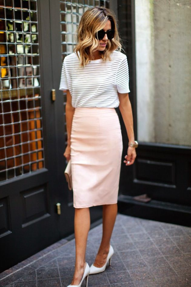 causal striped top with light pink pencil skirt | #businesscasual #style