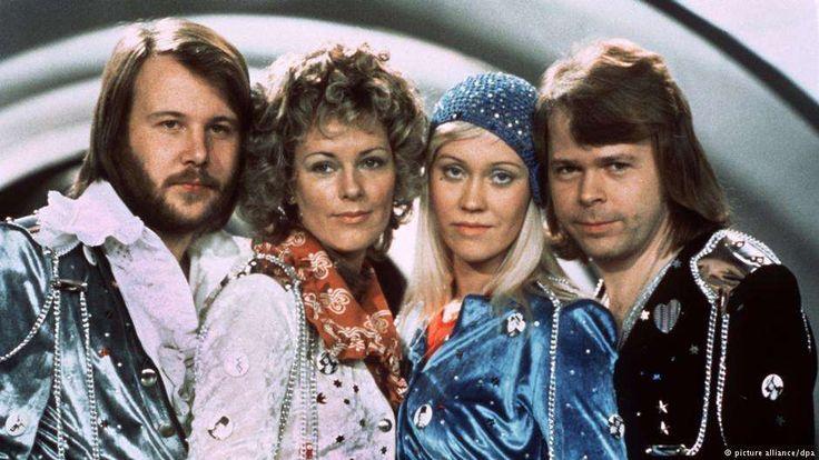 "Untuk penampilan bersama di televisi tahun 1970, keempat orang Swedia ini masih memakai nama ""Festfo... - picture alliance/dpa"