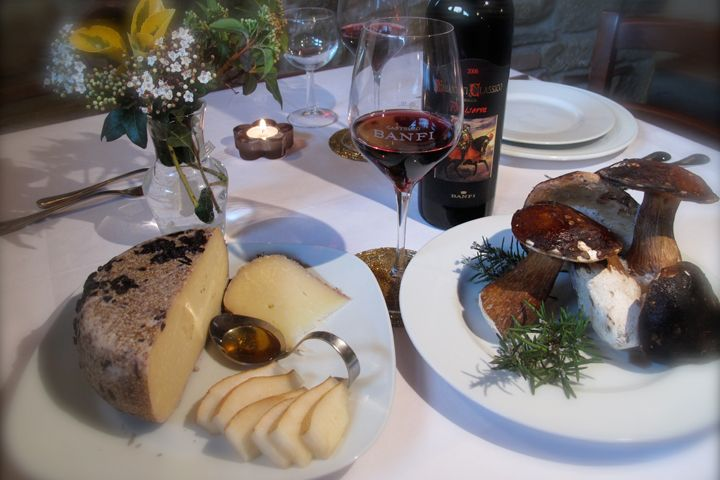 Experience fine wine and dining of south west Tuscany on a leisurely walking journey. Tour: Connoisseurs Tuscany. Photo Credit: AAAA Agriturismo Acquaviva