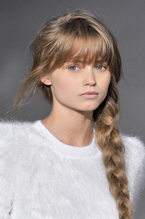 here are some great hairstyles you can make second day hair look totally chic in - Coloration Blond Fonce