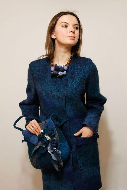 Валяное пальто. Пальто валяное. Шерстяное пальто. Женское пальто. Синее пальто…