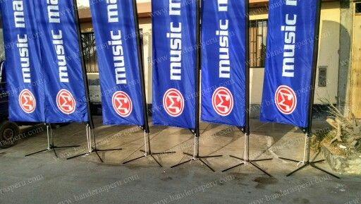 Banderas pluma