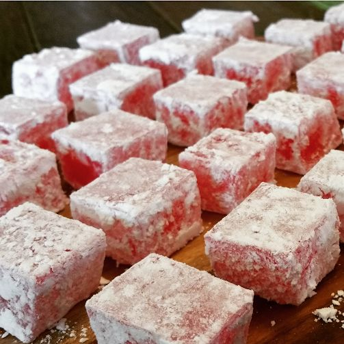 YUMMMMMMM!!! I LUUURRRVVVE TURKISH DELIGHT!!! This is one of the special treats I buy when I come across a middle eastern shop or sweet shop...