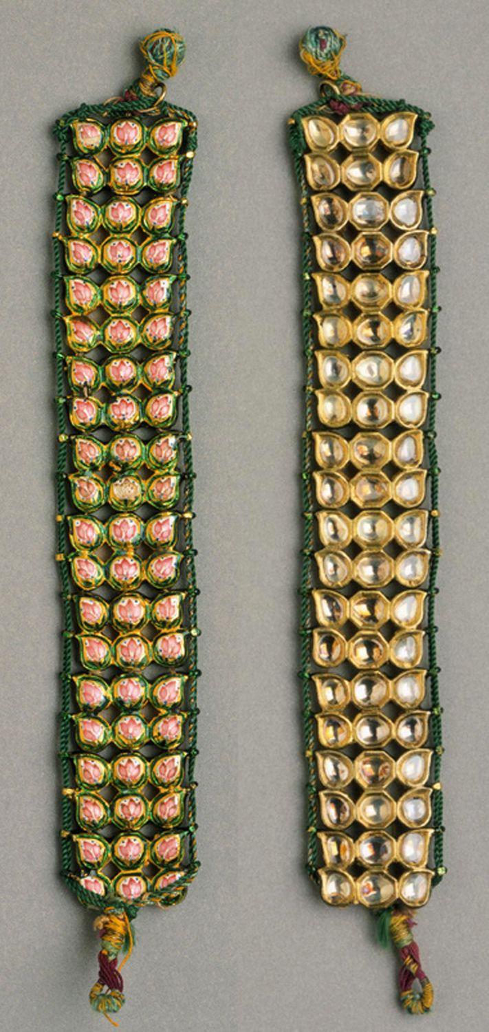 India | Bazuband (armlet); gold, diamonds, foiled paste, enamel. Restrung with silk and gold thread | Uttar Pradesh. ca. Late 18th to early 19th century