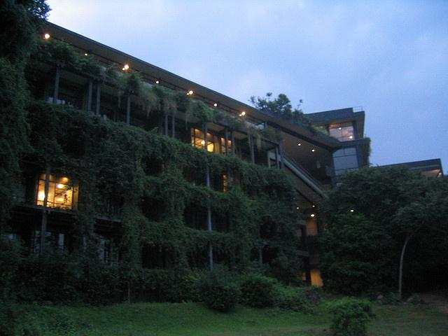 Kandalama Hotel Geoffrey Bawa