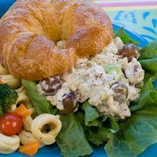 Quick Chicken Salad | MyDailyMoment | MyDailymoment.com