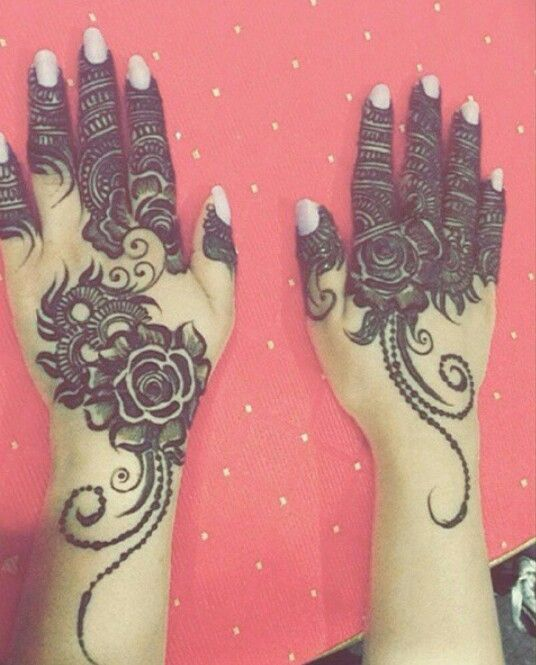 rose-on-each-hand-mehndi-design