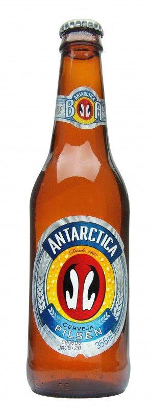 Cerveja Antarctica, estilo Standard American Lager, produzida por AmBev, Brasil. 4.9% ABV de álcool.