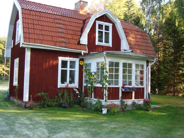 rött hus med vita knutar - Sök på Google