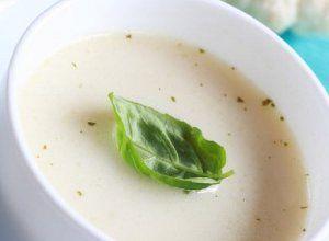 Zupa kalafiorowa z migdałami