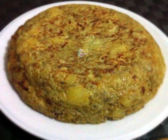 Tortilla de patatas y berenjenas.