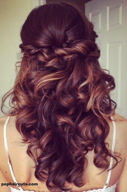 26 Coiffures Pour Cheveux Bouclés Vous Donneront Envie D'avoir Des Jolis Boucles! | Coiffure simple et facile