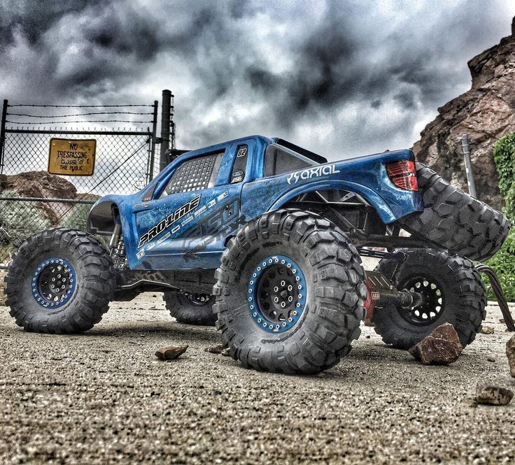 Sometimes the storm isn't the only thing to be feared . . #KrawlZoneRC #rc4wd #axial #axialracing #axialadventures #axial #rc #rcscale #kingofthehammers #vanquishproducts #methodracewheels #rigidindustries #darkmtnphoto #offroad #offroadracing #poisonspyder #4x4 #rockracer #crawler #caseycurrie #atees #asiatees #asiateeshobbies #rcneverstops