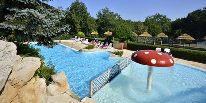 La Palombiere campsite can be found a short distance from the pretty medieval town of Sarlat, within the heart of the Dordogne and its setting within a beautiful wooded parkland provides some truly stunning views. www.gocampfrance.co.uk/la-palombiere
