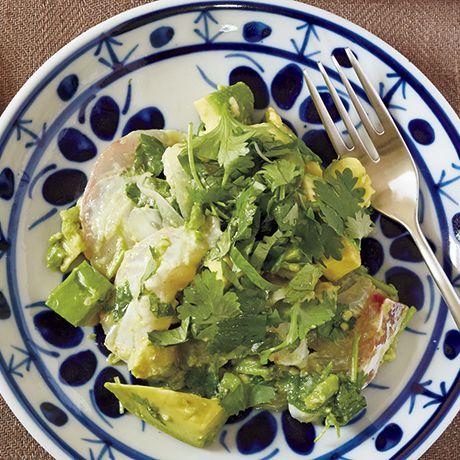 レタスクラブの簡単料理レシピ 南米ペルーのお刺し身サラダを簡単に「白身魚のセビーチェ」のレシピです。
