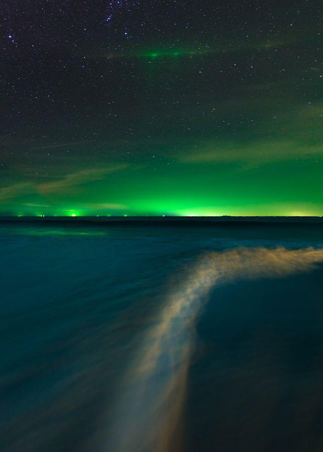 milamai:  Night waves