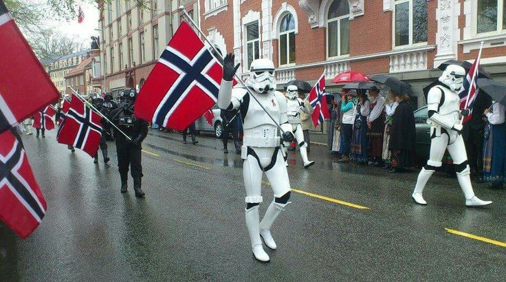 Bugün 17 Mayıs! Yani Norveç Milli Bayramı. Norveç'in 17 Mayıs 1814 yılında anayasasına kavuşmasının anısına kutlanır.