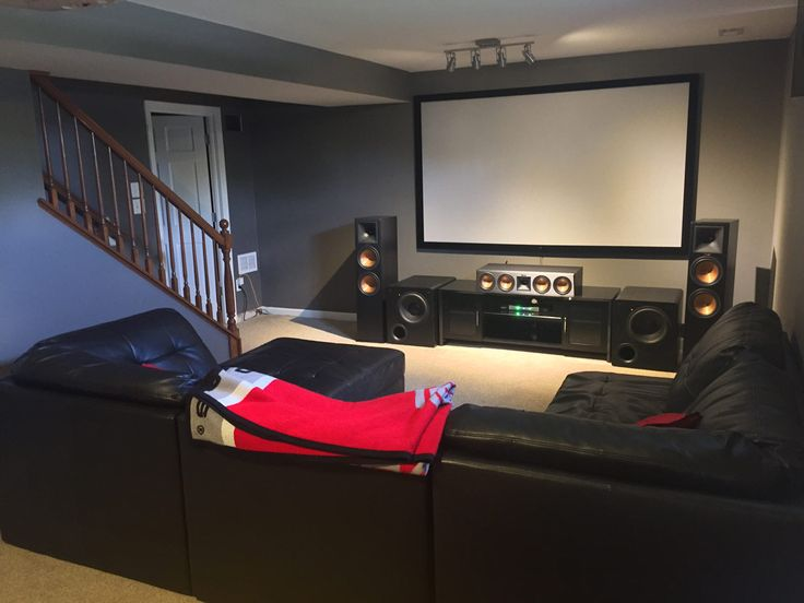 Ohio home theater fan blends Klipsch speakers with dual SVS PB-2000 Subwoofers to create an intense movie and game night experience.