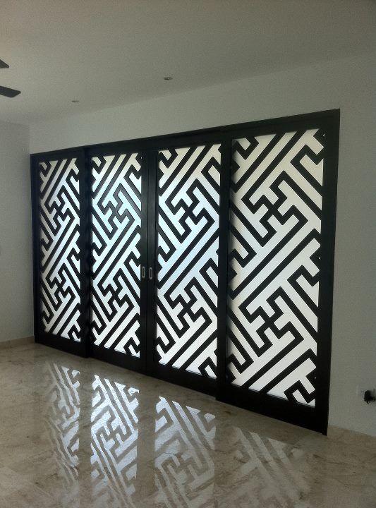 113 best images about separadores de espacios on pinterest for Puertas de madera con cristal